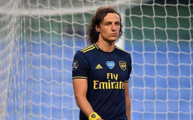 David Luiz (34 anos) - Posição: zagueiro - Clube atual: Arsenal - Valor atual: 5 milhões de euros