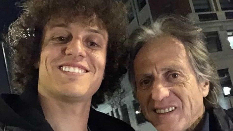 Apesar da amizade, Jorge Jesus não se empolgou com a volta do jogador ao Benfica