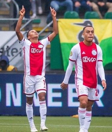 Na Holanda, com direito a um gol de David Neres, o Ajax venceu o ADO Den Haag por 2 a 0. O experiente Huntelaar marcou o outro gol do jogo