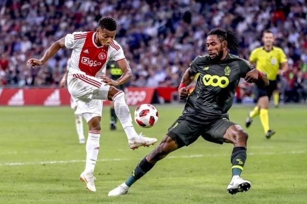 David Neres tem regularidade em balançar as redes com a camisa do Ajax. Com isso, existe a possibilidade de ganhar uma oportunidade na seleção