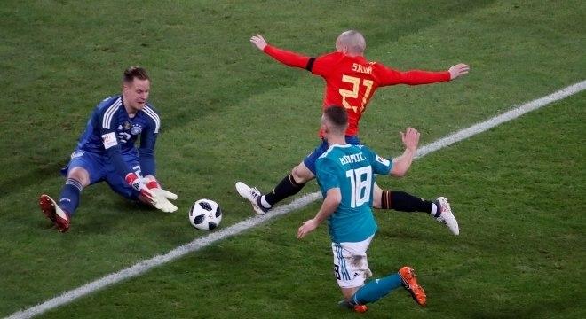 David Silva não treina e pode desfalcar Espanha contra Argentina ... e58ea9fe8a6f5