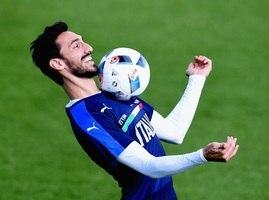a97a41ea62875 ... O zagueiro Davide Astori, de 31 anos, capitão da Fiorentina, <b> ...