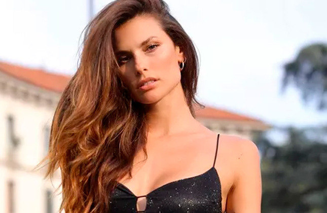 "Dayane Mello (modelo / 32 anos): A modelo natural de Joinville (SC) não se manifesta sobre futebol nas redes. Neste ano ela participou do reality ""Gran Fratello"", da Itália, e também é ex-namorada do atacante italiano Mario Balotelli."