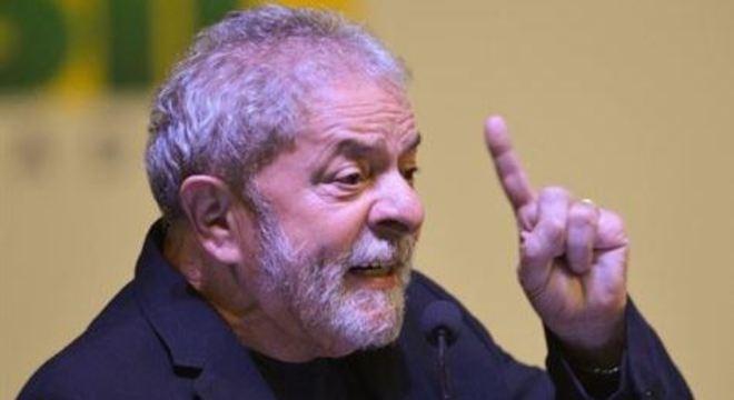 Fora da prisão, ex-presidente Lula continua inelegível devido à Lei da Ficha Limpa