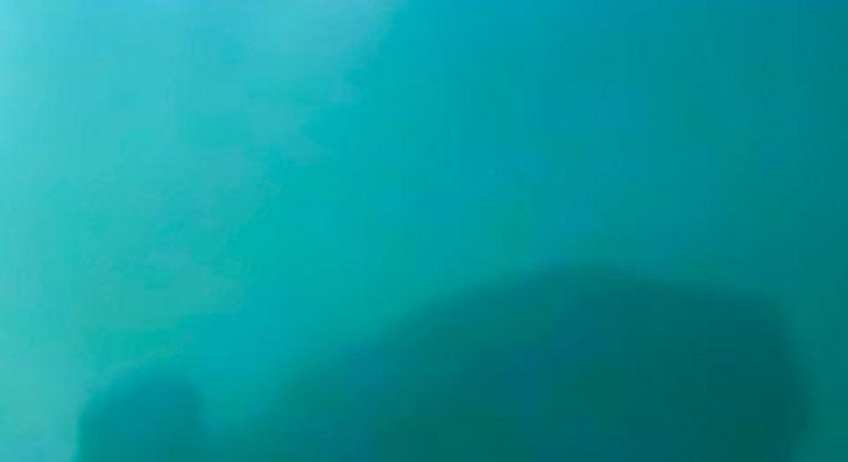 De acordo com histórias contadas, os pescadores que encontraram a imagem da santa em 1917 não conseguiram fisgar peixes. Quando puxaram a rede, veio a imagem da santa, só que sem cabeça. Então, eles jogaram a rede novamente e trouxeram a cabeça que faltava. O relato ainda conta que a partir desse momento as redes ficaram cheias de peixe.