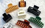 Em geral, a versão atual da presilha é feita com um material mais resistente e possui dentes mais grossos para sustentar bem os fios