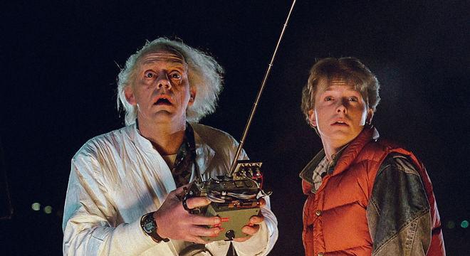 Doutor Brown e Marty McFly em cena do primeiro filme da trilogia