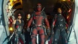 """Em novo trailer, Deadpool criagrupo de super-heróis e """"faz plágio"""" de _X-Men_ ()"""
