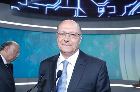 Geraldo Alckmin participa de debate na Record TV