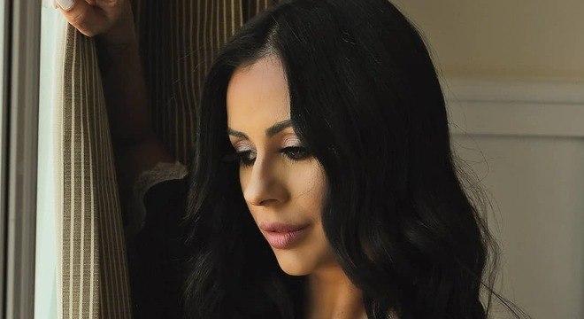 Recentemente, Débora Dunhil participou de um reality show em Portugal