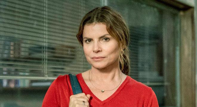 """Débora Bloch é uma das protagonistas de """"Segunda Chamada"""", série da Globo"""