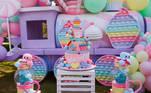 A decoração da comemoração foi toda em tons pastéis