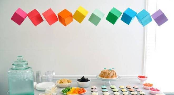 decoracao de festa infantil cubos coloridos