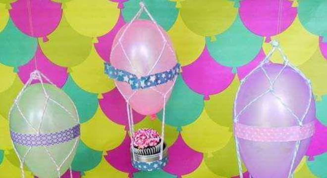 decoracao de festa infantil cupcake e bexigas