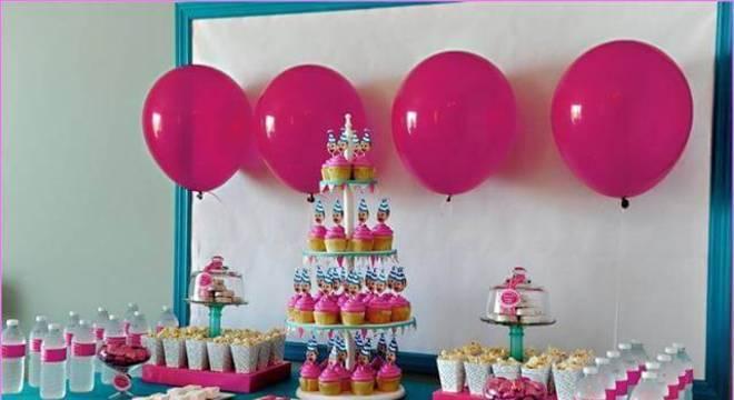 decoracao de festa infantil mesa de cupcakes