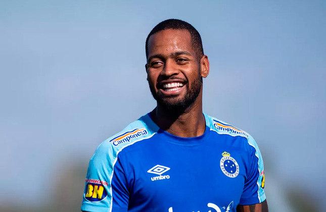 Dedé - Clube: Sem clube (Cruzeiro foi seu último clube) - Posição: zagueiro - Idade: 33 anos - Livre no mercado desde: 02/07/2021