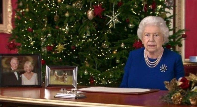 A rainha em versão 'deepfake' se parece muito com a real