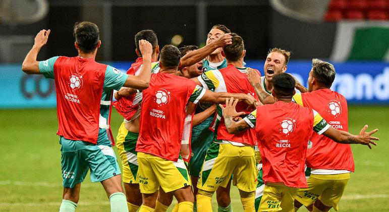 Defensa y Justicia bateu o Palmeiras nos pênaltis e foi campeão da Recopa