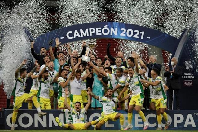 Defensa y Justicia, que tirou o título da Recopa do Palmeiras, será o adversário na terça-feira