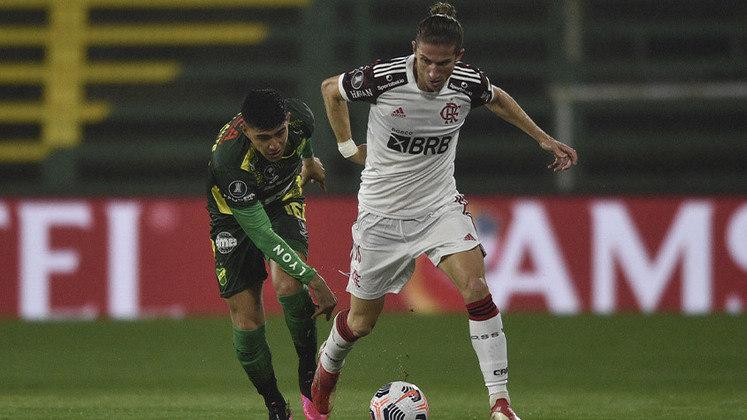 Defensa y Justicia - SOBE: A equipe argentina se mostrou muito organizada e conseguiu conter o ataque do Flamengo.   DESCE: Nas chances que teve para marcar, os jogadores ofensivos não capricharam na finalização e pararam em Diego Alves.