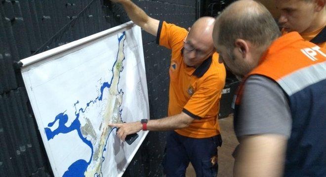 Defesa Civil do Estado monta gabinete de crise após fortes chuvas na Baixada