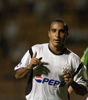 Deivid (1999–2013) - 91 gols em207 jogos (Média: 0.43).