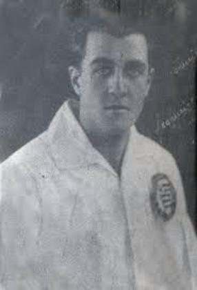 Del Debbio foi zagueiro no Corinthians e logo depois passou para treinador do Timão. Comandando a equipe, venceu quatro títulos estaduais durante a década de 40.