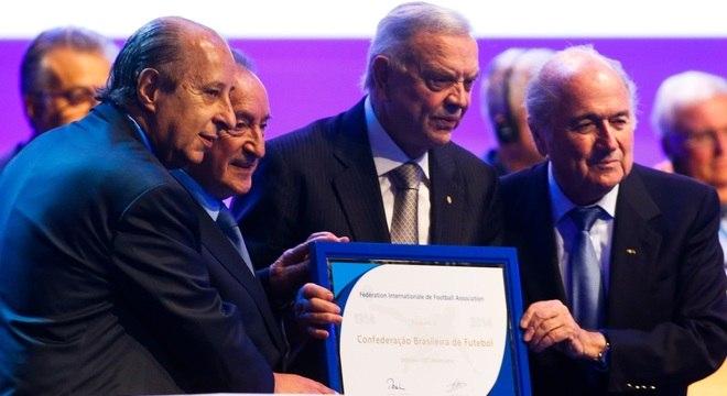 Del Nero e Marin, ao lado de Figueredo e Blatter; brasileiros estariam em esquema de corrupção