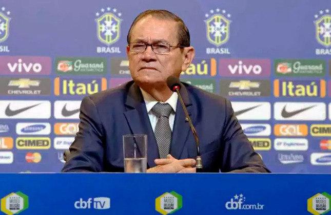 Del Nero estabeleceu que ANTÔNIO CARLOS NUNES seria o novo presidente interino. Ficou marcado por gafes e até uma atitude inusitada: sugeriu que o então técnico do Paysandu, Dado Cavalcanti, comandasse a Seleção no lugar do pressionado Dunga.