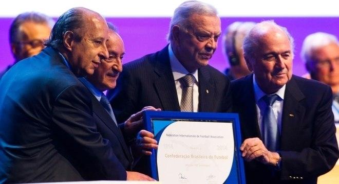 Marco Polo Del Nero, José Maria Marin e Joseph Blatter em evento na CBF