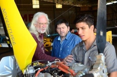 Del Rangel, com os atores Celso Frateschi e Ricky Tavares, dirigiu o especial Casamento Blindado, em 2013, na Record TV