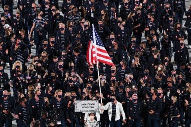 Delegação dos EUA faz grande entrada na Cerimônia de Abertura.