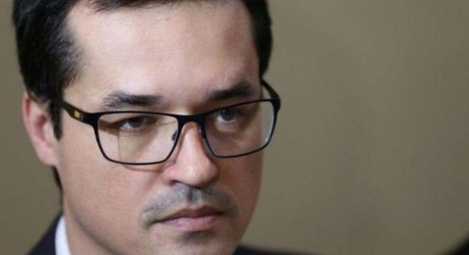 Dallagnol, que enfrentava um desgaste, deixou o comando da força-tarefa em Curitiba e informou que vai se dedicar a questões de saúde da filha