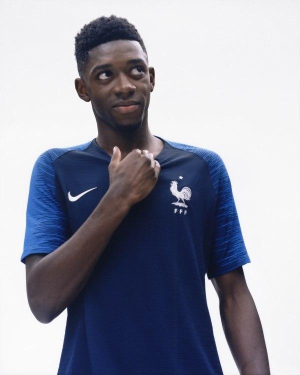 a10f81125 Seleção francesa divulga camisas oficiais para a Copa de 2018 ...