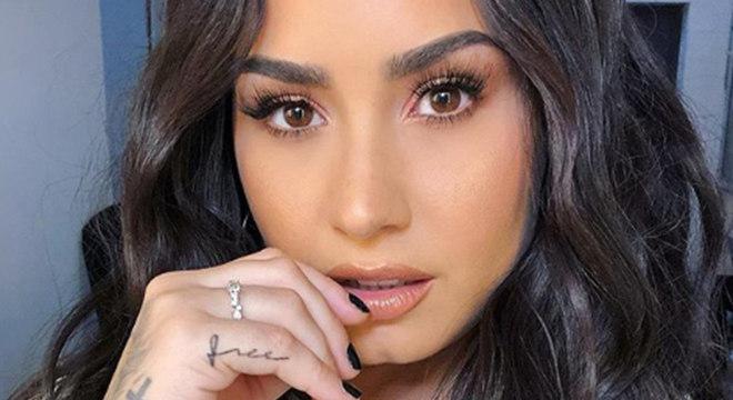 Demi Lovato está recebendo tratamento em clínica de reabilitação