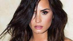 Demi Lovato se pronuncia: 'Amigas não dão entrevistas quando você sofre overdose' ()