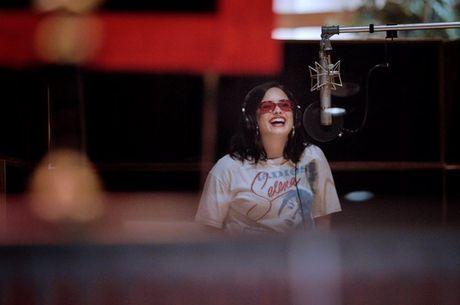 Demi Lovato nos bastidores de série documental