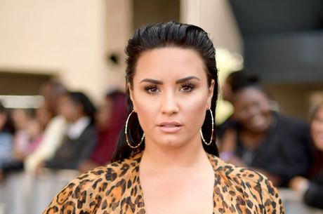 Demi Lovato está internada com overdose
