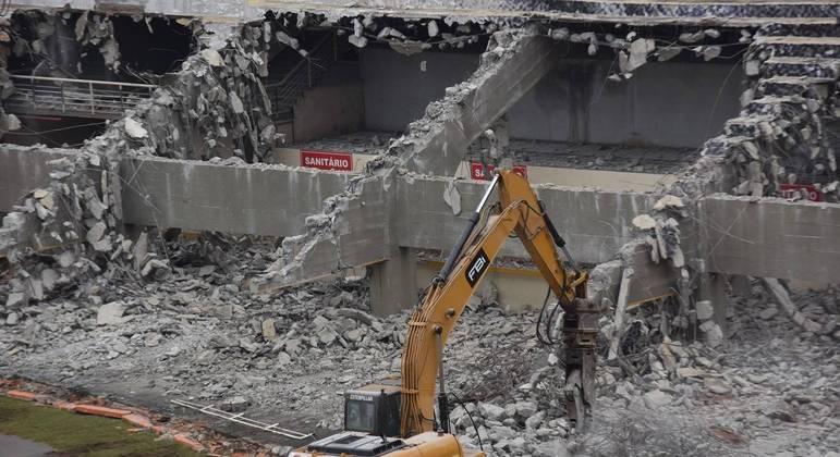Demolição do tobogã do Pacaembu
