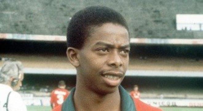 O melhor jogador da Portuguesa de todos os tempos: Dener