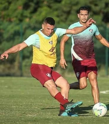 Denis - 19 anos - defensor - contrato com o Fluminense até 31/12/2023