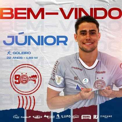 Denis foi emprestado ao Bahia até o final da temporada e faz parte do elenco principal do Tricolor de Aço.