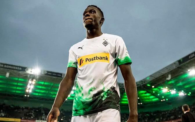 Denis Zakaria - 24 anos - Volante - Clube: Borussia Mönchengladbach - Contrato até: 30/06/2022