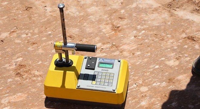 Densímetro com fonte de césio-137 semelhante ao que foi roubado no Equador