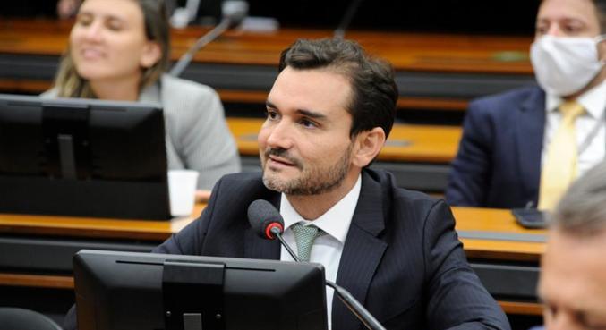 O relator do projeto de reforma do Imposto de Renda, deputado Celso Sabino (PSDB-PA)