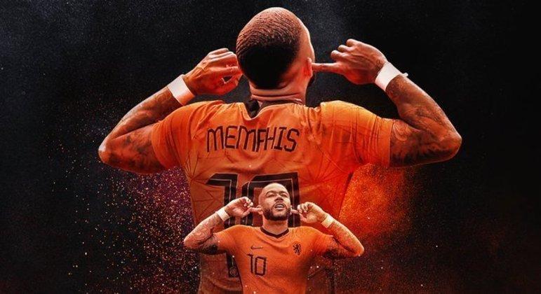 Memphis Depay, da Neerlândia, com o seu gesto característico de celebração de gol