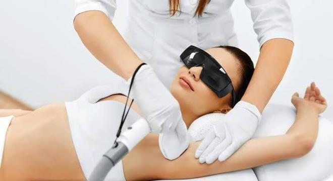 Depilação feminina - 9 dicas para diminuir a dor durante o procedimento