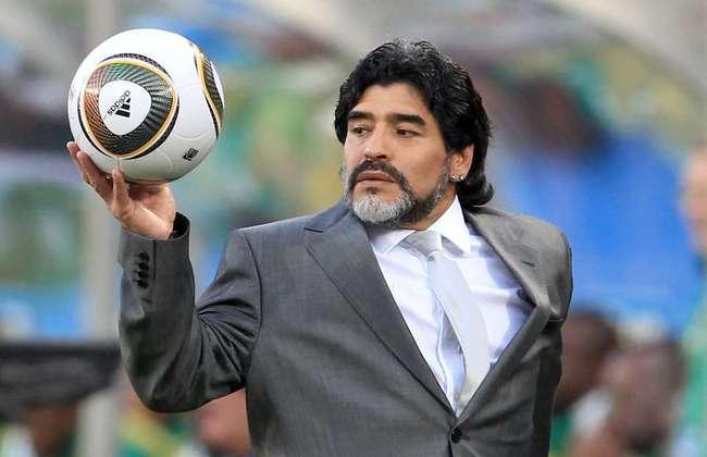 Depois de 13 anos sem treinar uma equipe, Maradona foi escolhido para treinar a Seleção Argentina no ciclo para a Copa do Mundo de 2010. Maradona foi treinador da Seleção entre 2008 e 2010.