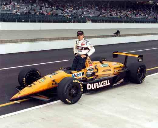 Depois de apenas dois anos na F1, sem grandes destaques. Chegou à Indy em 1985 e ficou até 2002, sem nenhuma vitória, mas com alguns momentos de destaque