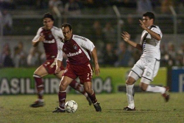 Depois de brilhar em Vasco e Palmeiras, Edmundo tentou a sorte no Fluminense. No entanto, em sua passagem no ano de 2004, não conseguiu repetir os feitos e passou a maior parte do tempo no departamento médico.